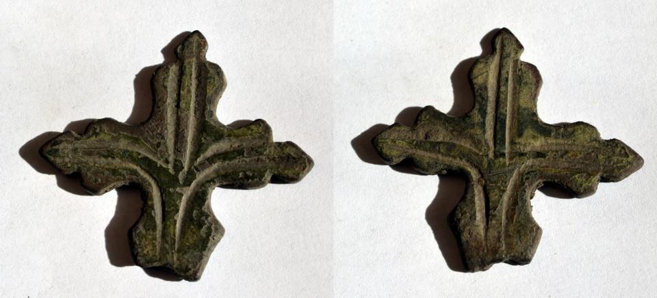 cruce medievala bronz