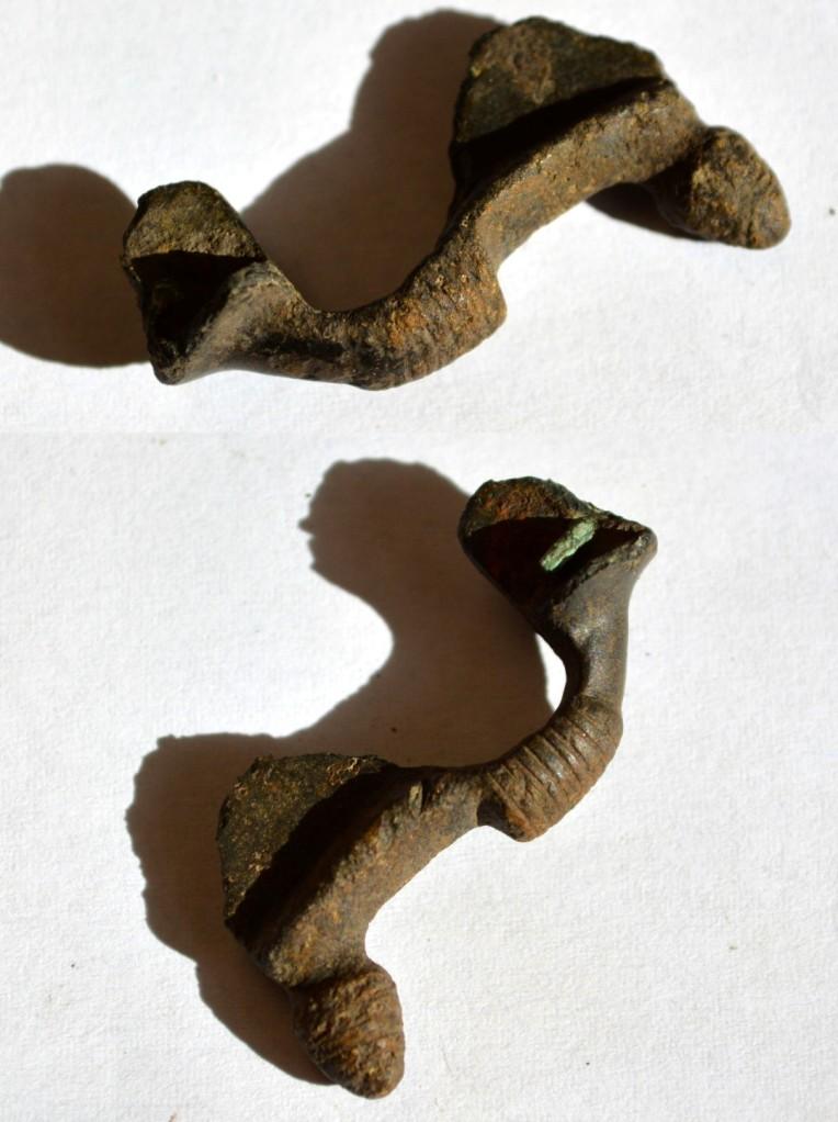 Obiect medieval bronz