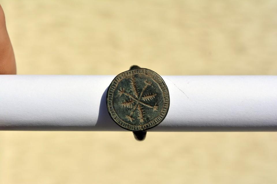 inel medieval din bronz 1