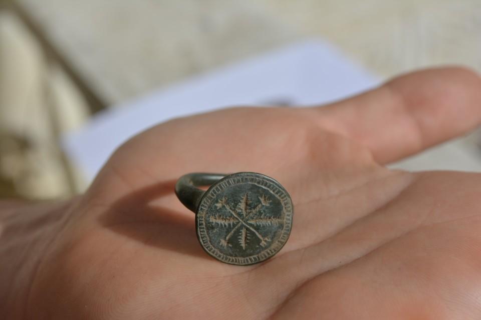 inel medieval din bronz 6