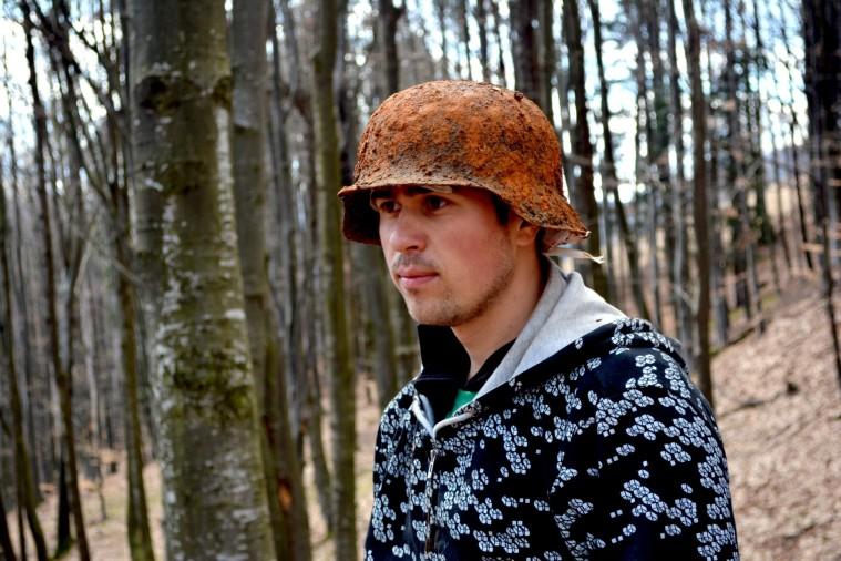 WW2 nice german helmet and badge - Friendly Metal Detecting